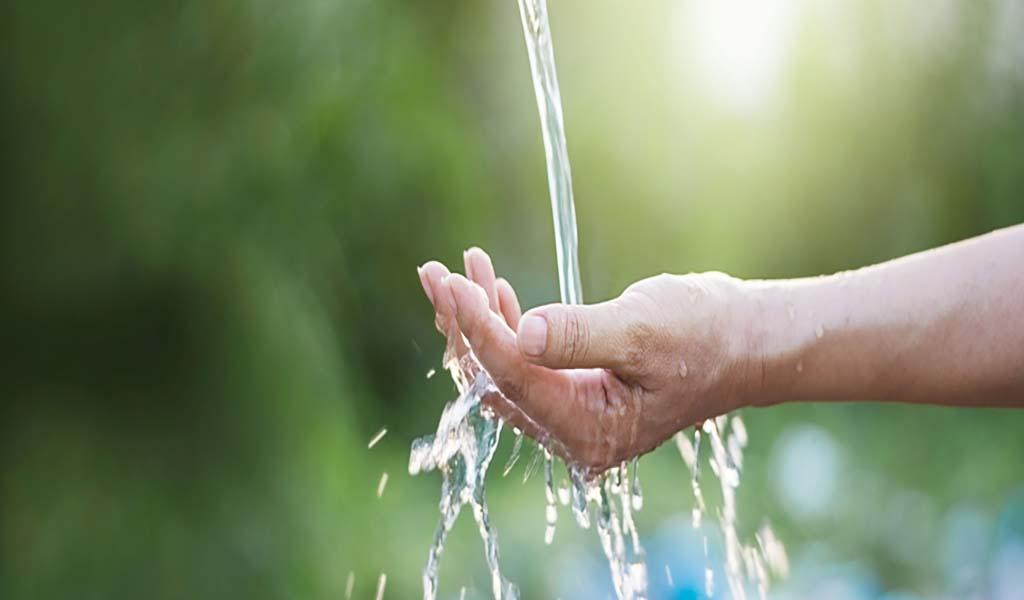 Voda upočasnjuje staranje